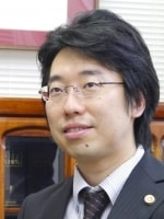 山田 卓弁護士