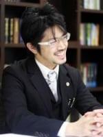 青山 隆徳弁護士