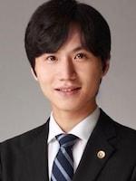 高 誠学弁護士
