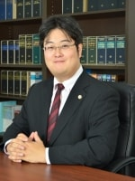 西山 良紀弁護士