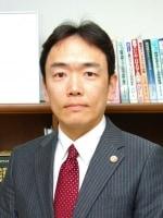 東城 輝夫弁護士
