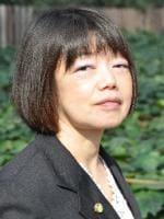 堀 晴美弁護士の顔写真
