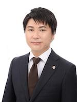 岡田 航弁護士