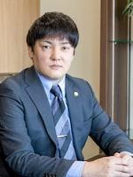 菊岡 隼生弁護士