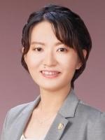 末吉 江衣弁護士
