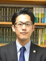 塚田 学弁護士