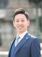 堀 智弘弁護士の顔写真