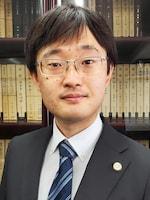 中嶋 翼弁護士