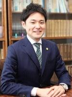 みどり総合法律事務所 島崎 嘉成弁護士