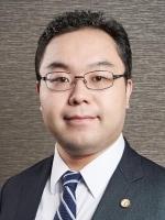 上岡 弘明弁護士