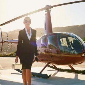 休み明けの月曜日、苗場からヘリで出勤…ファッション誌企画の設定はリアルに可能?