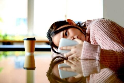 子どもに「自画撮り」要求する行為に懲役刑も…北海道の条例案は「防止効果」なし?