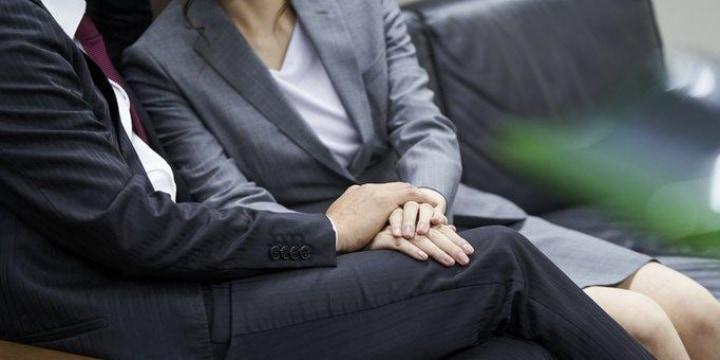 交際中の人妻が妊娠、一緒になりたいのに夫が徹底抗戦「絶対離婚しないぞ!」