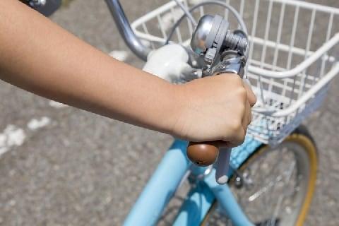「チリンチリンじゃねぇよ」歩道でベルを鳴らす自転車に怒りの声、違法じゃないの?