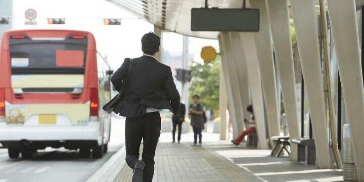 路線バスに「行かないで!」追いついても何故、乗せてくれない?