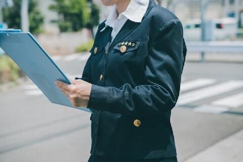 警察に指紋とられるのはイヤ…交通違反したとき、どう対応すればいいのか?