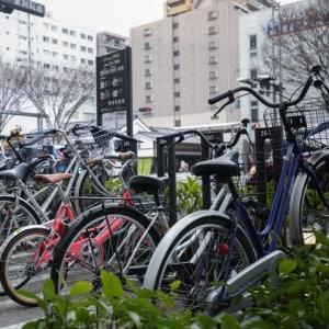 自転車防犯シール、法的には「義務」だけど… 登録しないとどうなる?