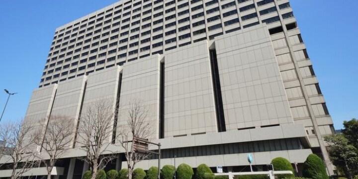 新井浩文被告人、判決詳報 「抵抗しにくい状況に付け入った」厳しく非難