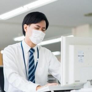 「これ以上仕事ためたくない」インフルエンザなのに出社、法的な問題は?