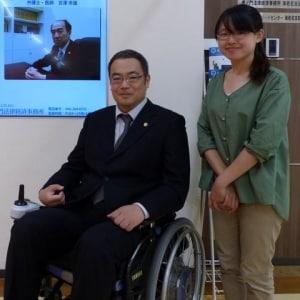 「絶望し、死を考える人も多い」自らも脊髄損傷…車椅子の菅原弁護士、支援に奔走