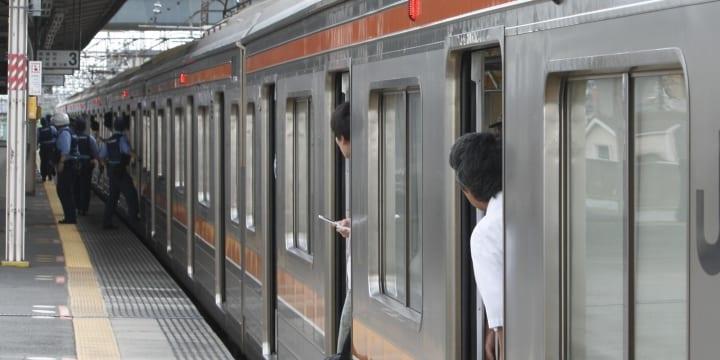 「電車に包丁を持った男がいるぞ!」警察が出動するも実は料理人…犯罪との境界線は?