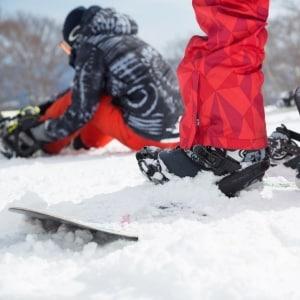 スキー場の衝突事故で骨折、「ごめんねー」と逃げた男を訴えたい!