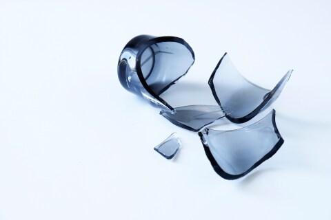 「パリーン」お店で割ってしまったグラス、客が弁償しないのは「当たり前」?