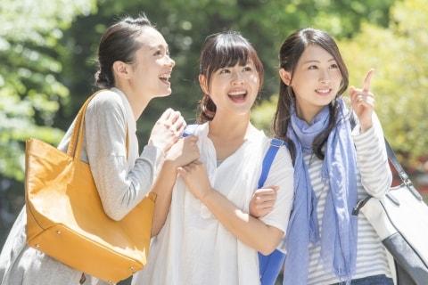 卒業旅行で新型コロナに感染続出、祝賀会や卒業式に参加した学生の責任問える?