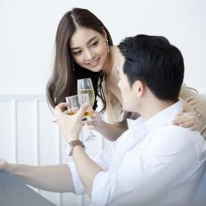 夫の「数百回の不貞行為」を許した社長夫人、願いは「夫と二度と会わないで」。手切れ金に法的な意味は?