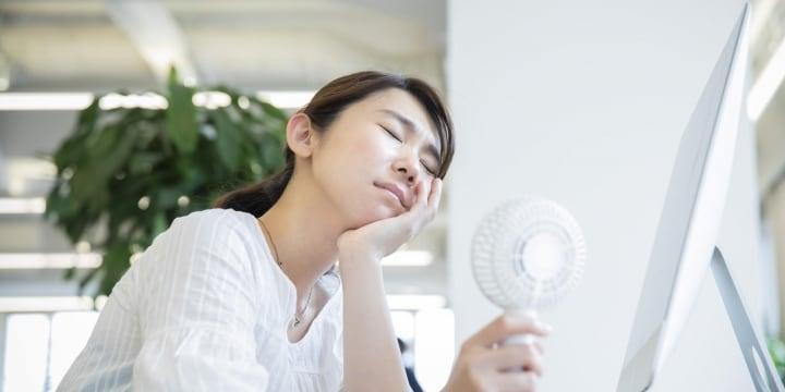 クーラーから熱風、室温「35度」になった地獄の職場…修理をしない会社に問題は?