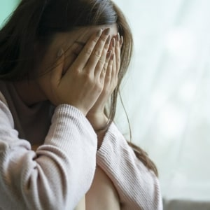 「オレには前科がある」カレから衝撃の告白で、別れを決意…他人に話したらアウト?