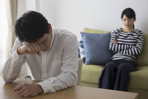 夫が社内不倫、相手女性の「セクハラ」証言でピンチ 妻「いきなり解雇は許せない」