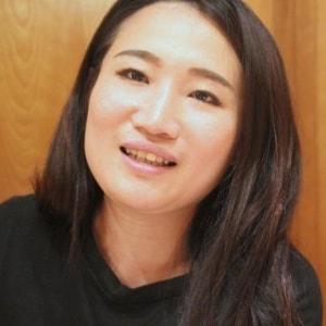 """高3のときに""""強かった父""""が亡くなった…自死遺族・菅沼舞さんが語る「自殺対策」に必要なネットワーク作り"""