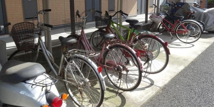 「自転車が倒れてバイクに傷がついた」と言いがかり…「修理費30万円」は払わないとダメ?
