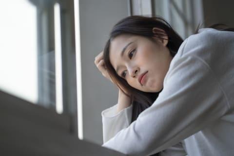 休業命令で収入減に悩む労働者「もっと出勤したい」 会社が応じる義務は?