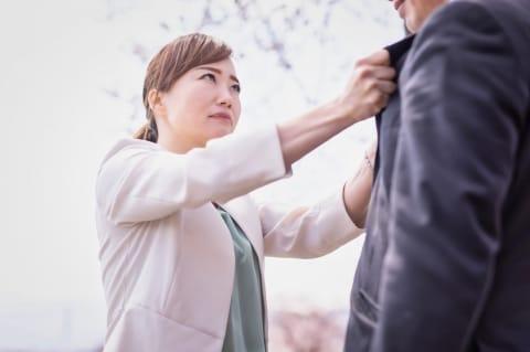 自称「シングルパパ」の呆れた正体 結婚をほのめかし、シングルマザーと交際