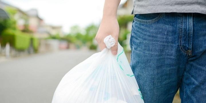 他人のゴミ袋を漁る隣人、注意したら「何様のつもりだ」と逆ギレ 勝手な開封、違法では?