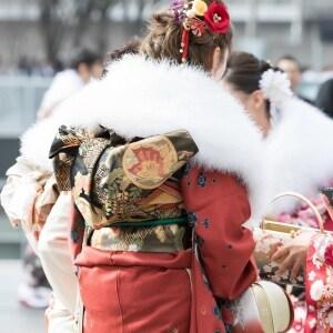 成人式中止で波紋 「私の56万円を返して!」「収入源がたたれた」…キャンセル料はどうなる?