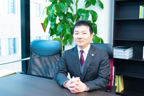 『こども六法』漫画化「なぜやっちゃダメか、背景まで迫りたい」、監修の飯田亮真弁護士が語る「法教育」
