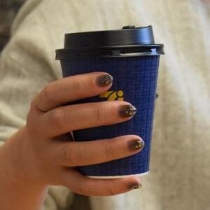 コンビニで「通常カップ」に「Lサイズ」注いで逮捕 コーヒー窃盗、筒抜けのワケ