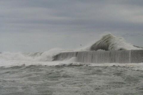 茨城「死の防波堤」過去72名が死亡も、釣り人あとを絶たず…港湾事務所が注意呼びかけ