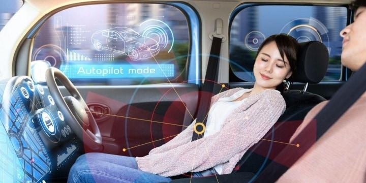 自動運転「無免許でOK」実現に近づくも、事故や違反の責任どうすべきか