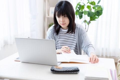 オンライン授業「録画・撮影は禁止」ルールに、名門大学生が感じるモヤモヤ…法的には?