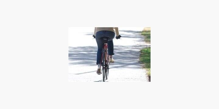 「フル電動自転車」には免許とナンバーが必要! 道交法上はどんな位置づけなのか?