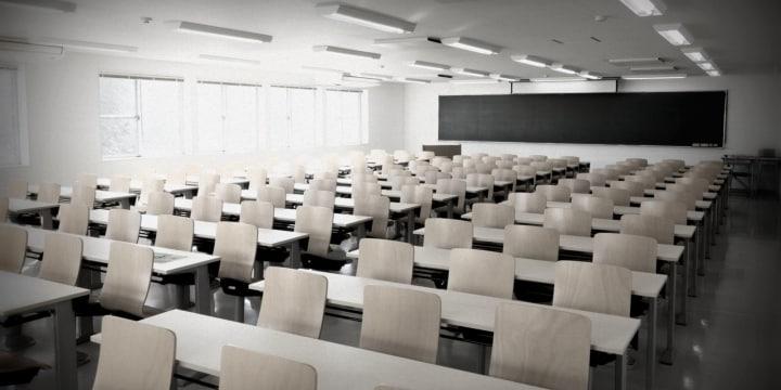 ポスドク「使い捨て」、終身雇用もかなわず「大学」を去った若手講師の「孤独な戦い」