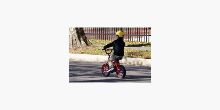 自転車に乗るときは「ヘルメット」を着用すべし! そんな条例を弁護士はどう見る?