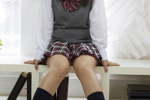 下着みせて「チラっしゃいませ」 女子高生が働く「ガールズバー」が摘発されたワケ