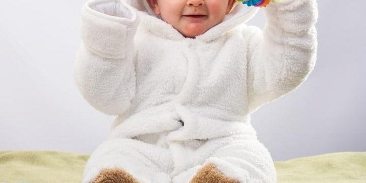 「子どもの写真入り年賀状」に賛否両論ーー個人情報漏えいのリスクもある?