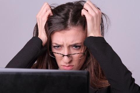 社員の「ストレスチェック」義務化へ――働く者が「不利益」を受ける恐れはないか?