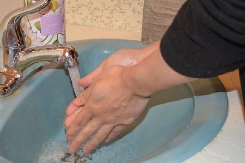 社員に義務づけられた「手洗い・うがい」 その時間は「給与が払われない」って本当?